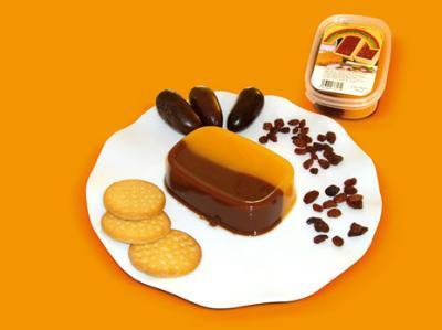 Vanilla cream and chocolate