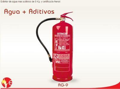 Water extinguisher + additives
