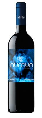 NUMUN MONASTRELL. Red wine elaborated from Monastrell grapes carefully selected grapes harvested during night.