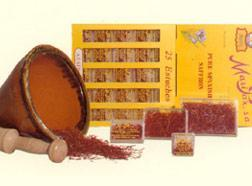 Saffron in packs of 2, 5 and 10 g.