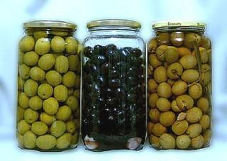 All types of olives in glass, canned and in bags