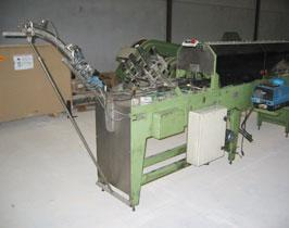 Machinery for 2nd hand food: tri-pack cartoning, palletizing boxes, dispensing rings, etc.