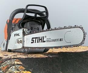 Cutting wood saw